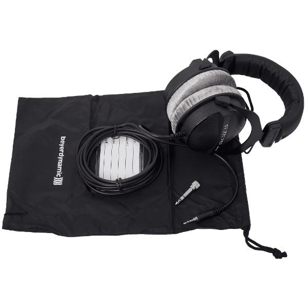 Beyerdynamic DT 770 PRO (close 250 Ohms)